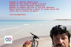 Monta sulla bicicletta